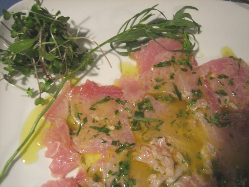 Tonno Carpaccio con Yuzu (Tuna Carpaccio with Yuzu)