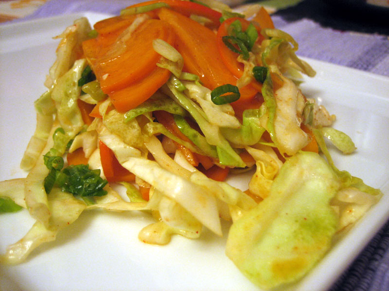 spicy persimmon cabbage salad