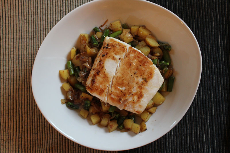 pan seared halibut on asparagus potato hash